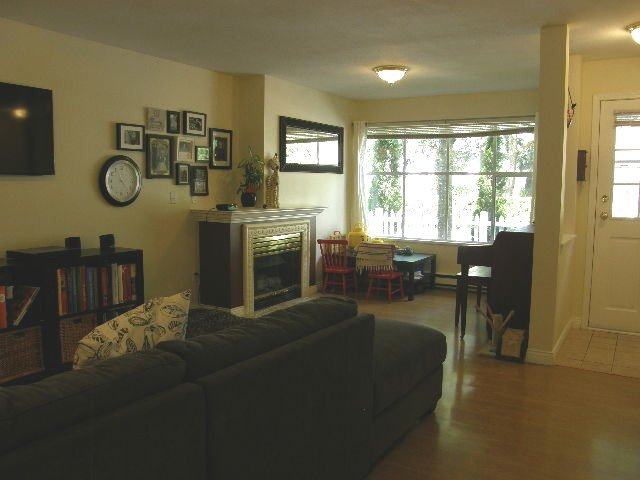 """Photo 3: Photos: 56 12099 237 Street in Maple Ridge: East Central Townhouse for sale in """"THE GABRIOLA"""" : MLS®# R2092471"""