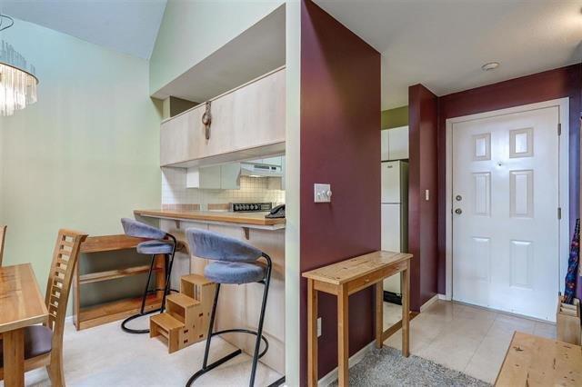 Photo 4: Photos: 307 7465 SANDBORNE Avenue in Burnaby: South Slope Condo for sale (Burnaby South)  : MLS®# R2113350