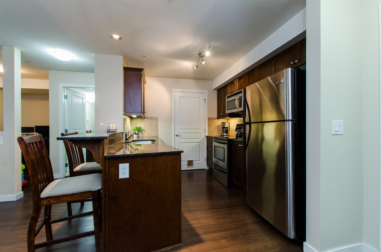 "Photo 4: Photos: 209 1969 WESTMINSTER Avenue in Port Coquitlam: Glenwood PQ Condo for sale in ""THE SAPHIRE"" : MLS®# R2118876"