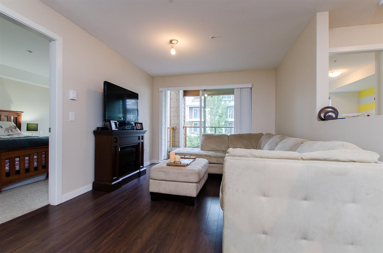 "Photo 8: Photos: 209 1969 WESTMINSTER Avenue in Port Coquitlam: Glenwood PQ Condo for sale in ""THE SAPHIRE"" : MLS®# R2118876"
