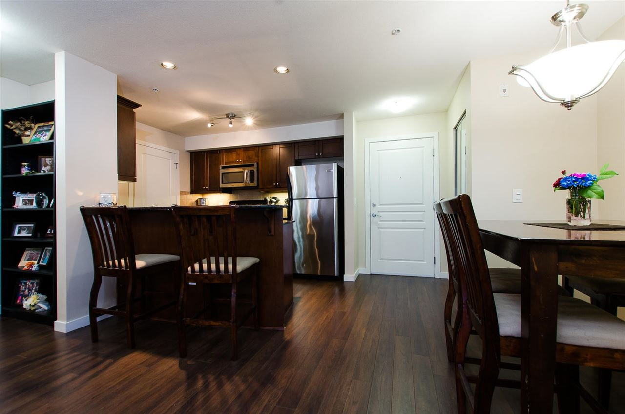 "Photo 6: Photos: 209 1969 WESTMINSTER Avenue in Port Coquitlam: Glenwood PQ Condo for sale in ""THE SAPHIRE"" : MLS®# R2118876"