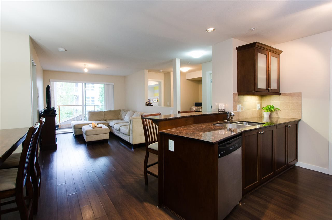 "Photo 2: Photos: 209 1969 WESTMINSTER Avenue in Port Coquitlam: Glenwood PQ Condo for sale in ""THE SAPHIRE"" : MLS®# R2118876"