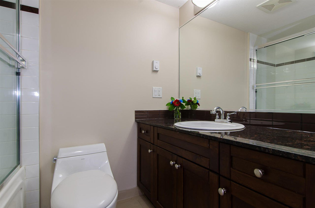 "Photo 12: Photos: 209 1969 WESTMINSTER Avenue in Port Coquitlam: Glenwood PQ Condo for sale in ""THE SAPHIRE"" : MLS®# R2118876"
