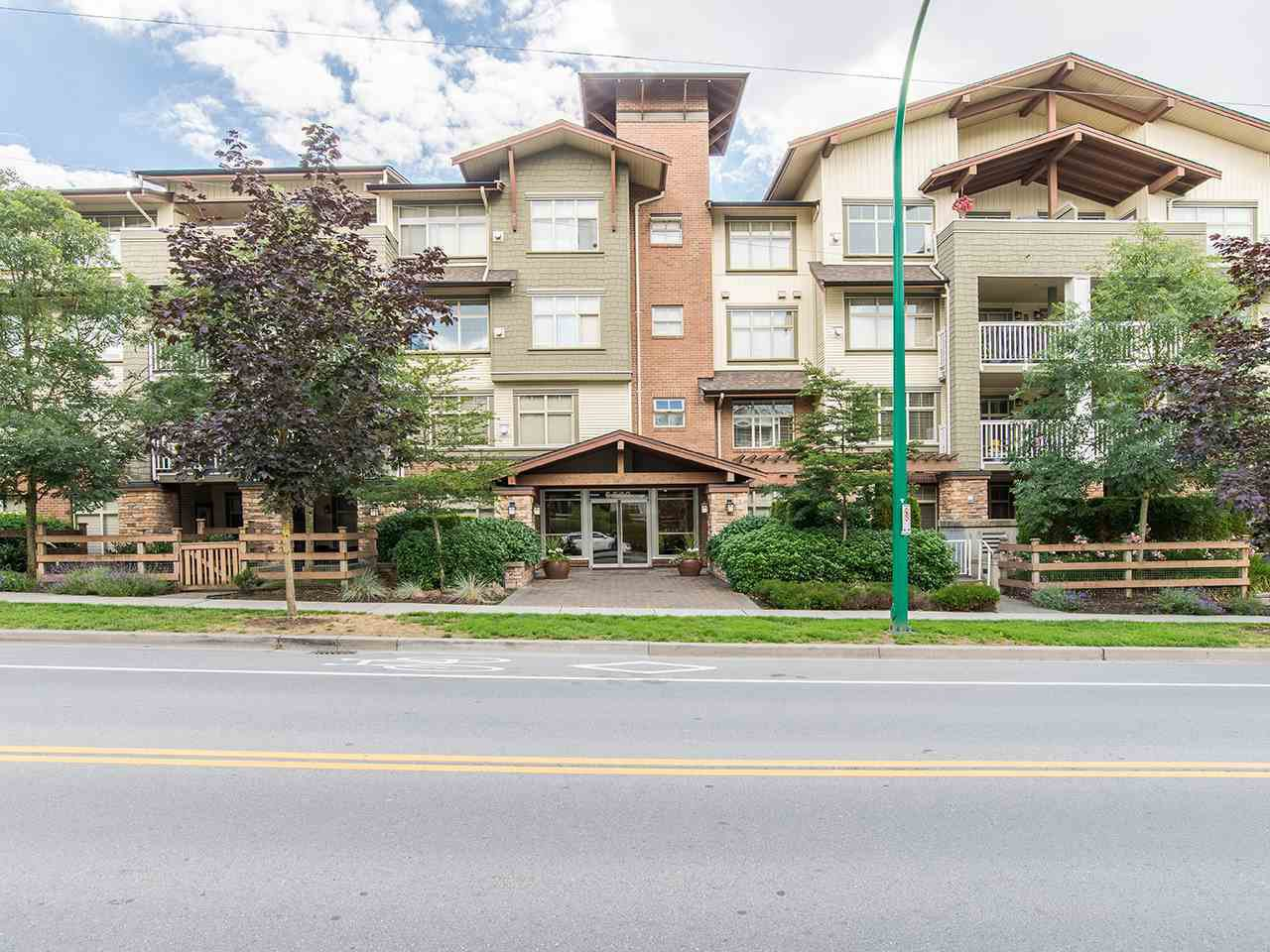 "Main Photo: 402 6500 194 Street in Surrey: Clayton Condo for sale in ""SUNSET GROVE"" (Cloverdale)  : MLS®# R2140487"