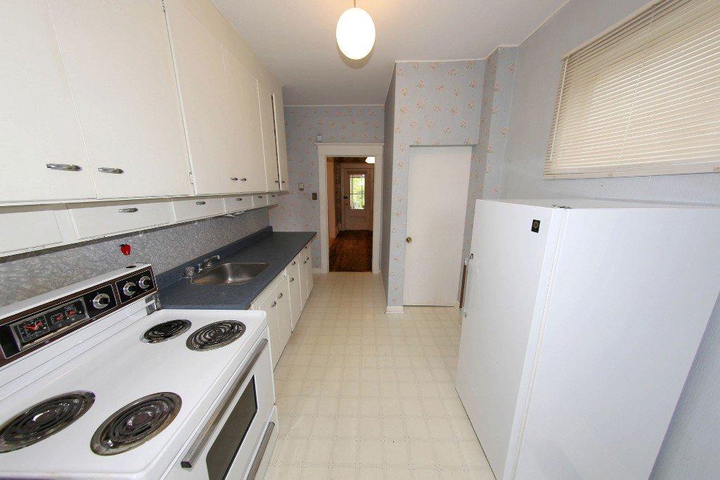 Photo 10: Photos: 1205 Wolseley Avenue in Winnipeg: Wolseley Single Family Detached for sale (5B)  : MLS®# 1713764