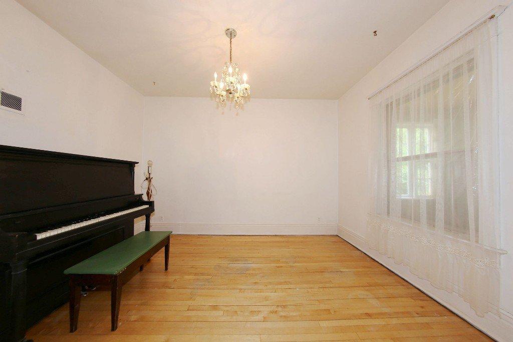 Photo 5: Photos: 1205 Wolseley Avenue in Winnipeg: Wolseley Single Family Detached for sale (5B)  : MLS®# 1713764