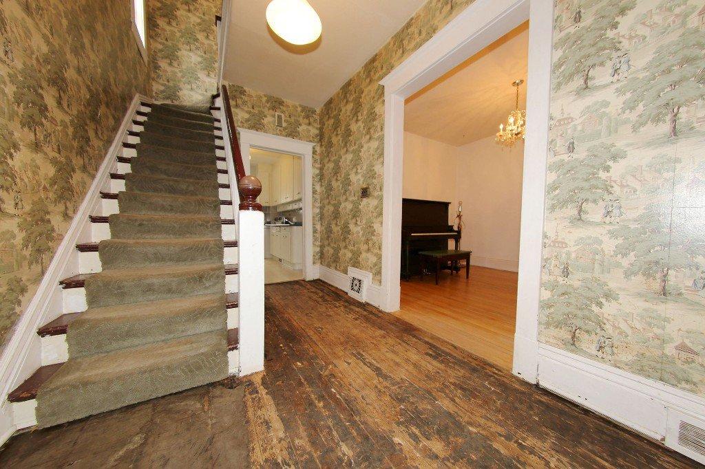 Photo 4: Photos: 1205 Wolseley Avenue in Winnipeg: Wolseley Single Family Detached for sale (5B)  : MLS®# 1713764