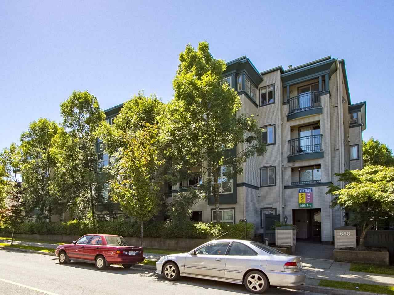 "Main Photo: 107 688 E 16TH Avenue in Vancouver: Fraser VE Condo for sale in ""Vintage Eastside / Cedar Cottage"" (Vancouver East)  : MLS®# R2184469"