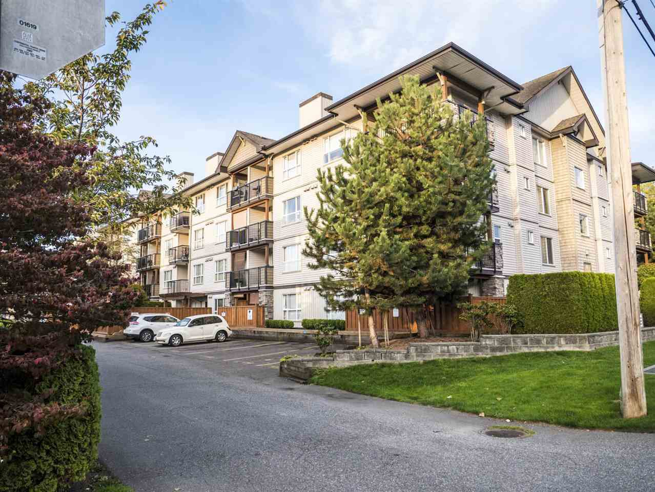 """Main Photo: 109 5465 203 Street in Langley: Langley City Condo for sale in """"Station 54"""" : MLS®# R2212720"""