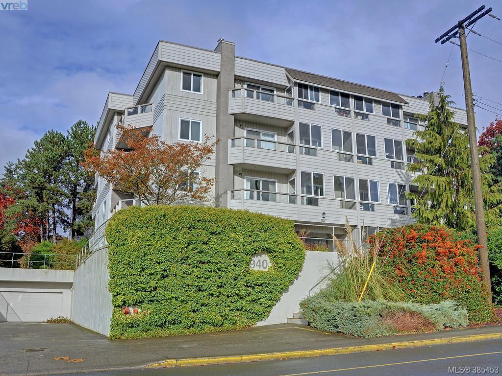 Main Photo: 102 940 Inverness Rd in VICTORIA: SE Quadra Condo for sale (Saanich East)  : MLS®# 774549