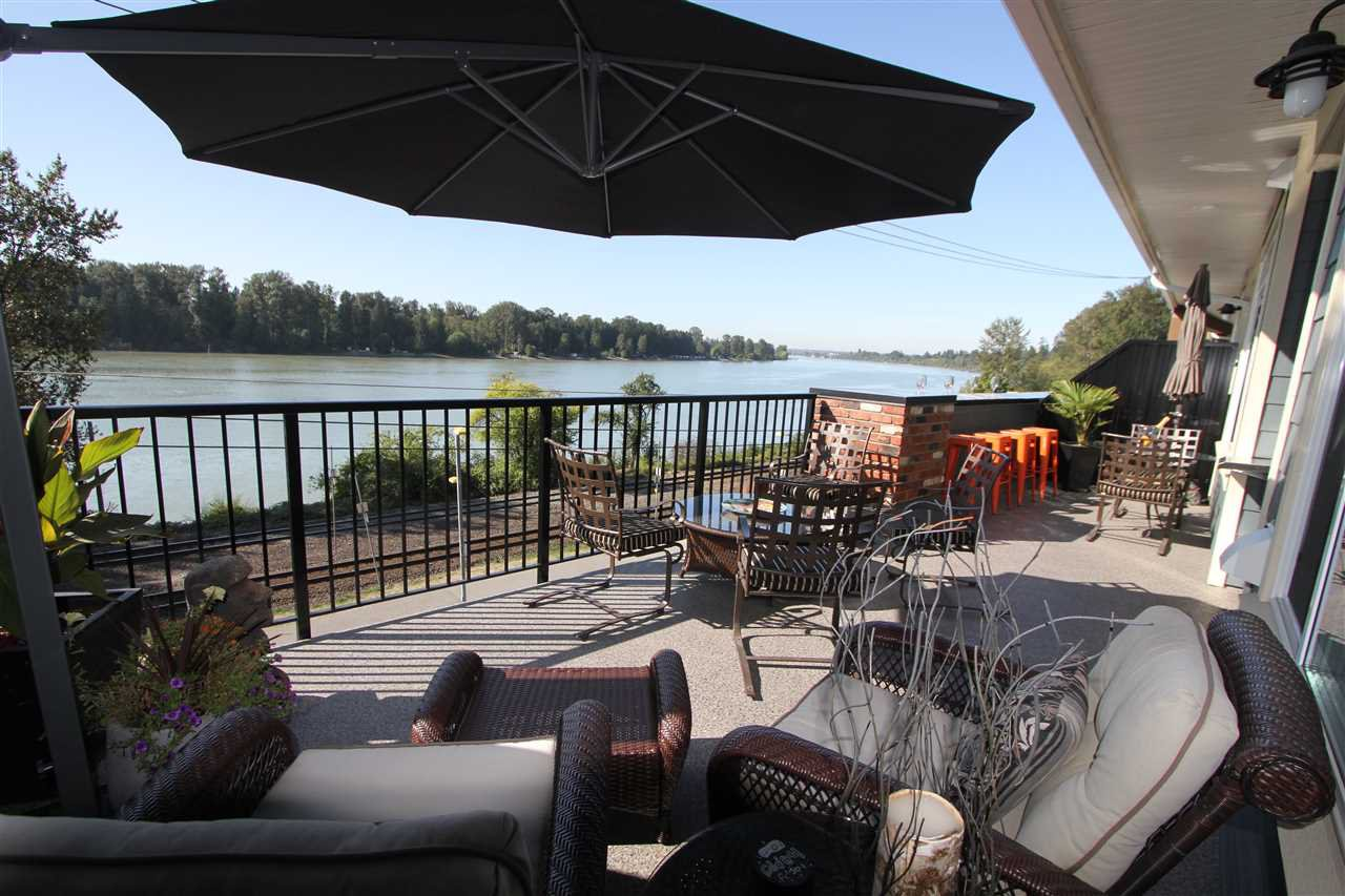 """Main Photo: 308 22327 RIVER Road in Maple Ridge: West Central Condo for sale in """"Reflections On The River"""" : MLS®# R2240954"""