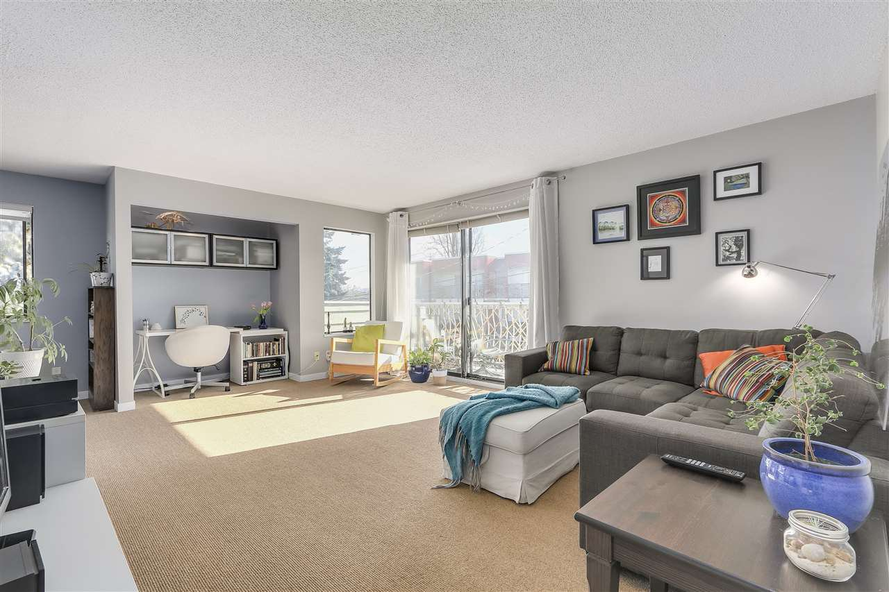 """Main Photo: 304 642 E 7TH Avenue in Vancouver: Mount Pleasant VE Condo for sale in """"IVAN MANOR"""" (Vancouver East)  : MLS®# R2245120"""