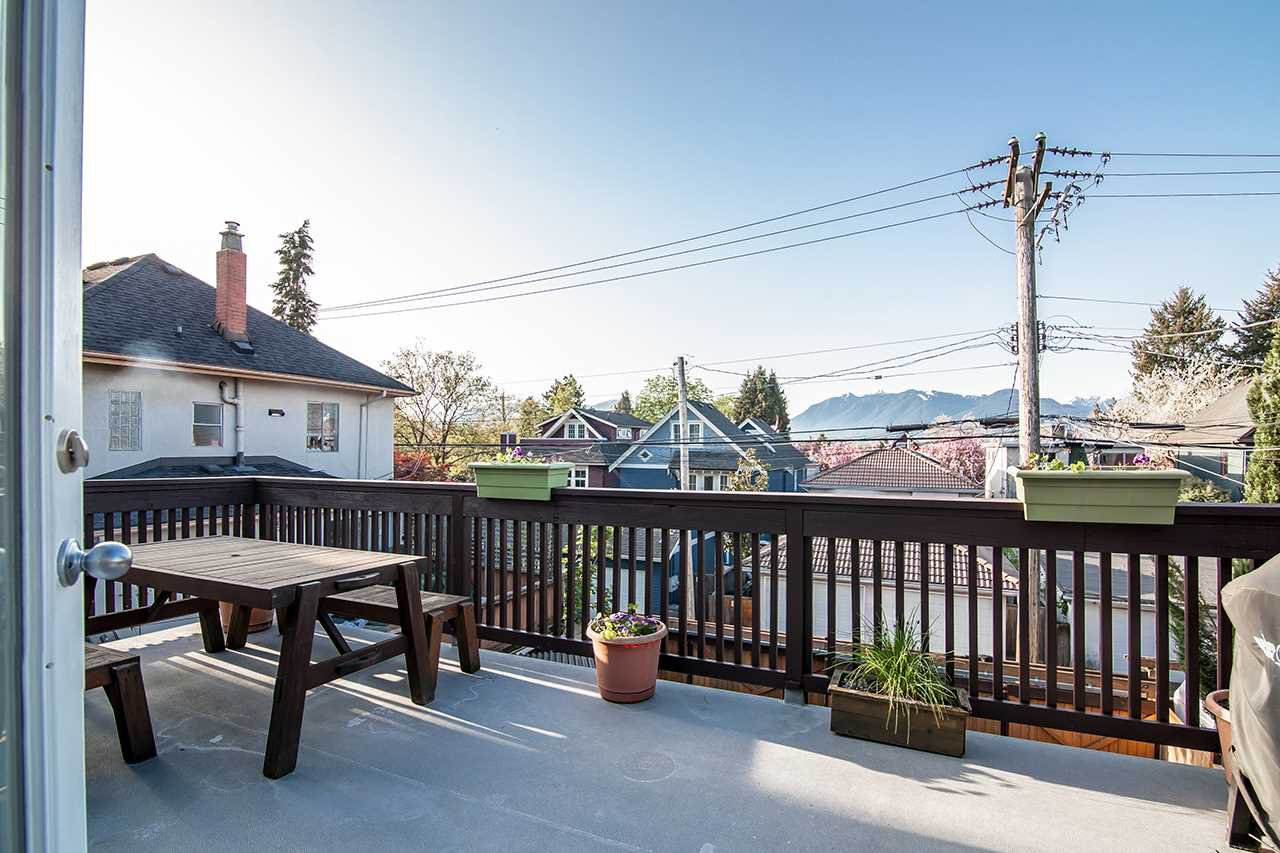 Main Photo: 1015 E 11TH Avenue in Vancouver: Mount Pleasant VE House 1/2 Duplex for sale (Vancouver East)  : MLS®# R2262921