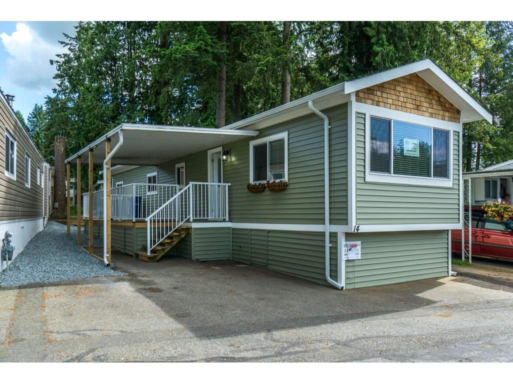 """Main Photo: 14 24330 FRASER Highway in Langley: Otter District Manufactured Home for sale in """"LANGLEY GROVE ESTATES"""" : MLS®# R2263420"""