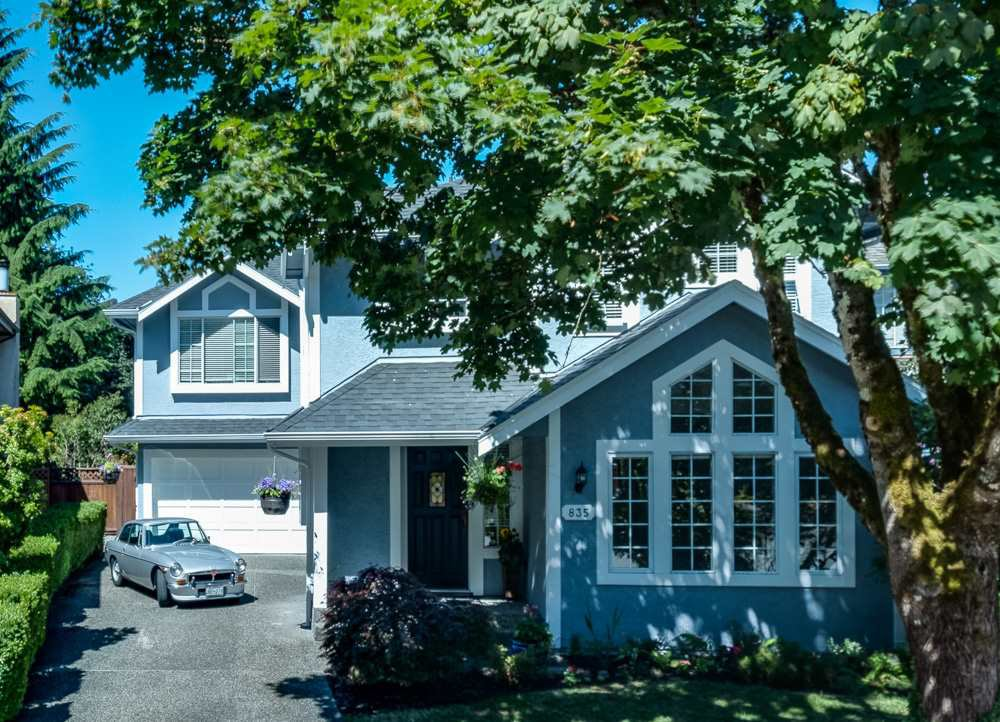 Main Photo: 835 RUCKLE Court in North Vancouver: Roche Point House for sale : MLS®# R2292338