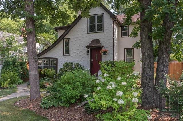 Main Photo: 48 Elm Park Road in Winnipeg: Elm Park Residential for sale (2C)  : MLS®# 1822237