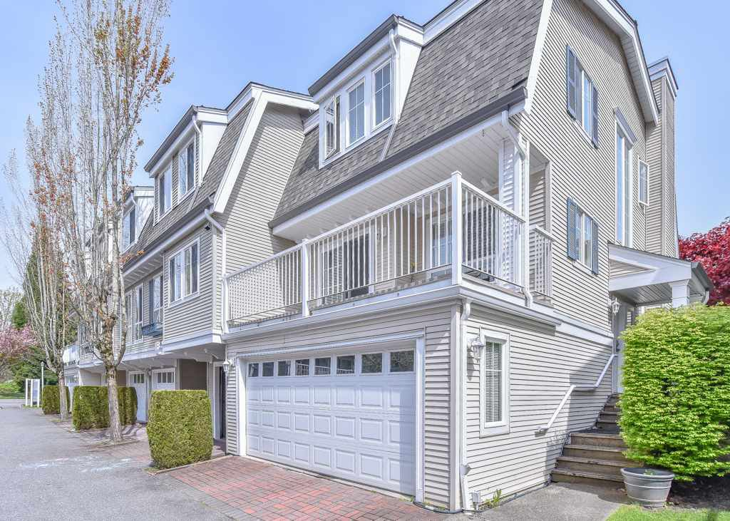 "Main Photo: 97 8930 WALNUT GROVE Drive in Langley: Walnut Grove Townhouse for sale in ""Highland Ridge"" : MLS®# R2361309"