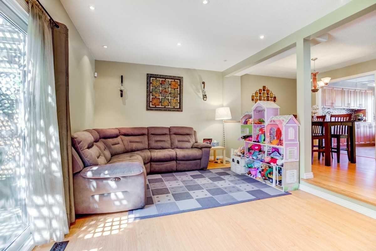 Photo 9: Photos: 3495 Ketelbey Court in Burlington: Palmer House (2-Storey) for sale : MLS®# W4505858