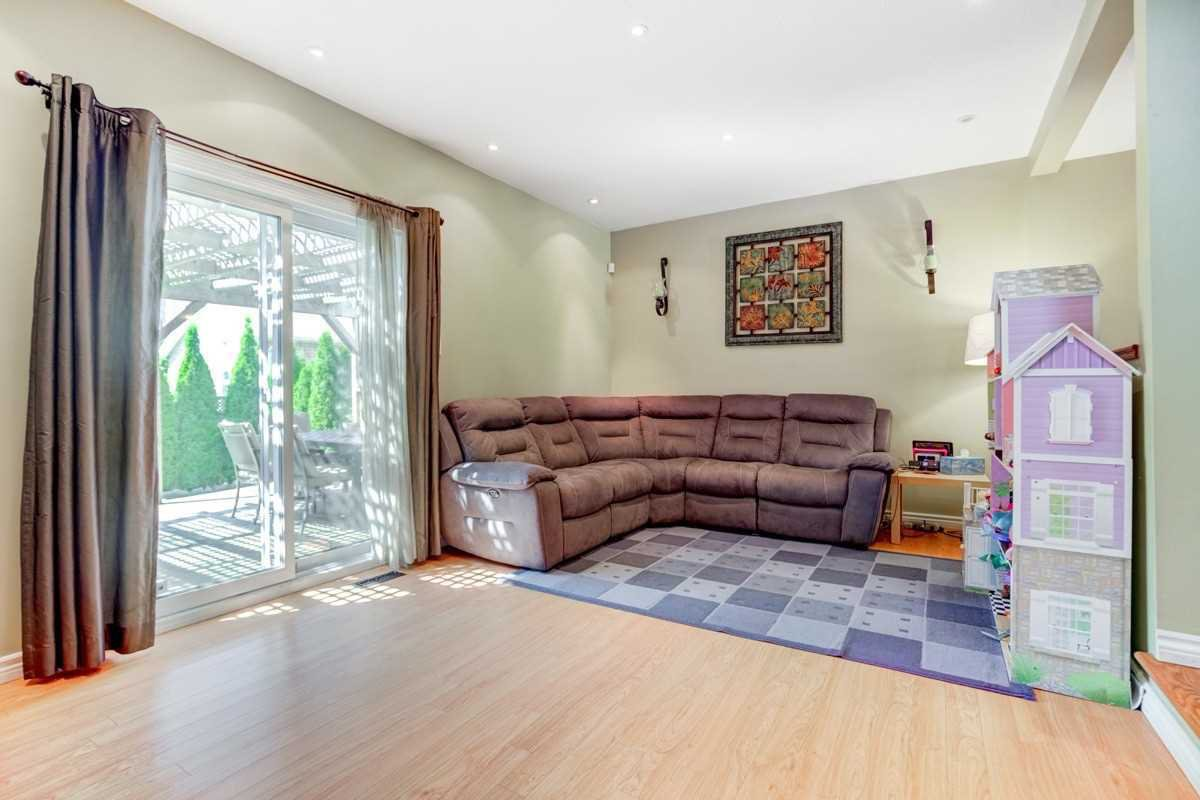 Photo 10: Photos: 3495 Ketelbey Court in Burlington: Palmer House (2-Storey) for sale : MLS®# W4505858