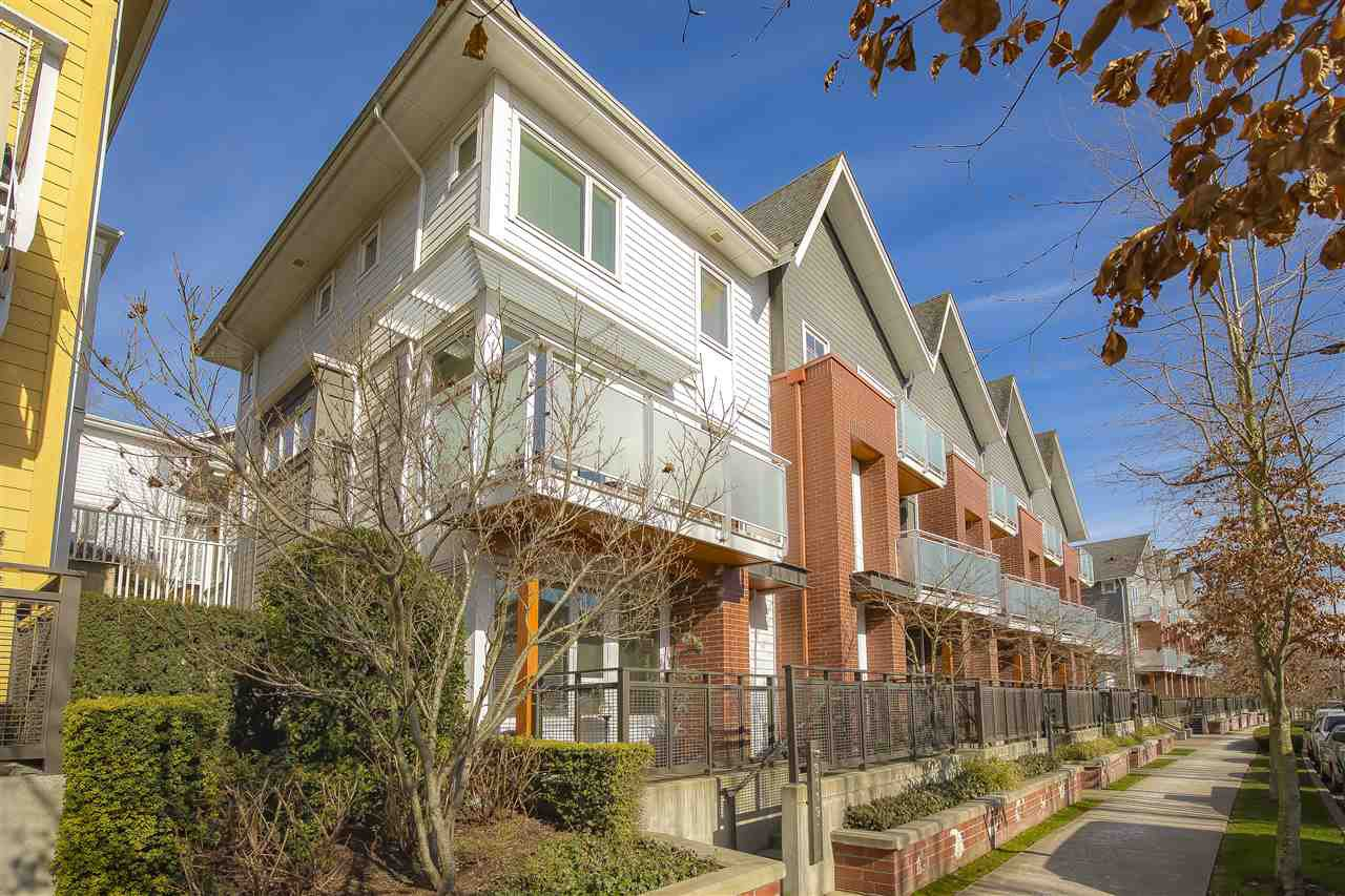 "Main Photo: 3119 E KENT AVENUE NORTH in Vancouver: South Marine Townhouse for sale in ""River Walk"" (Vancouver East)  : MLS®# R2439075"