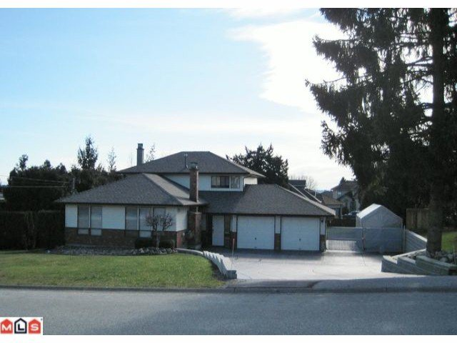 Main Photo: 19044 60B Avenue in Surrey: Cloverdale BC House for sale (Cloverdale)  : MLS®# F1105482