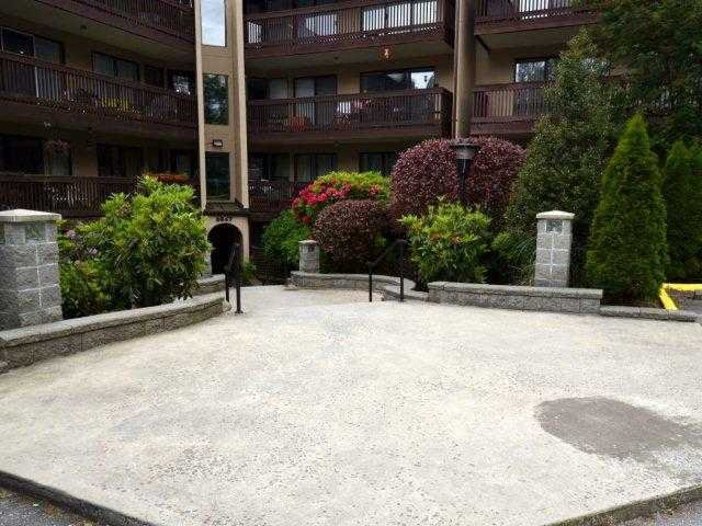 """Main Photo: 318 9847 MANCHESTER Drive in Burnaby: Cariboo Condo for sale in """"BARCLAY WOODS"""" (Burnaby North)  : MLS®# V894344"""