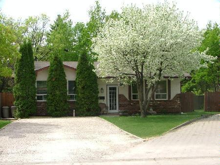Main Photo: 31 Sandralin Bay: Residential for sale (Bright Oaks)  : MLS®# 2715847