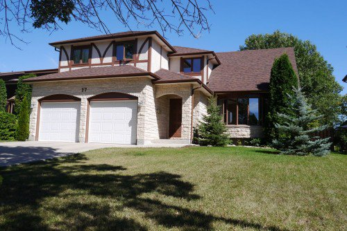 Main Photo: 27 Groveland Bay in Winnipeg: Residential for sale : MLS®# 1319384
