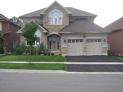 Main Photo: 14 Don Morris Court in Clarington: Bowmanville House (2-Storey) for lease : MLS®# E2794787