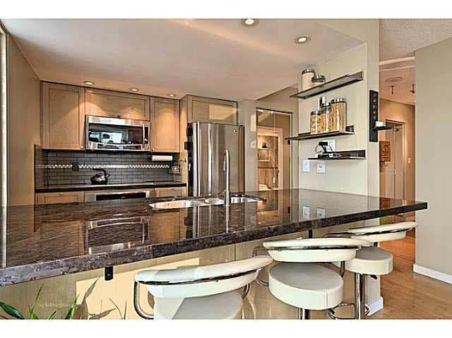 """Photo 3: Photos: B1105 1331 HOMER Street in Vancouver: Yaletown Condo for sale in """"PACIFIC POINT"""" (Vancouver West)  : MLS®# V1100721"""