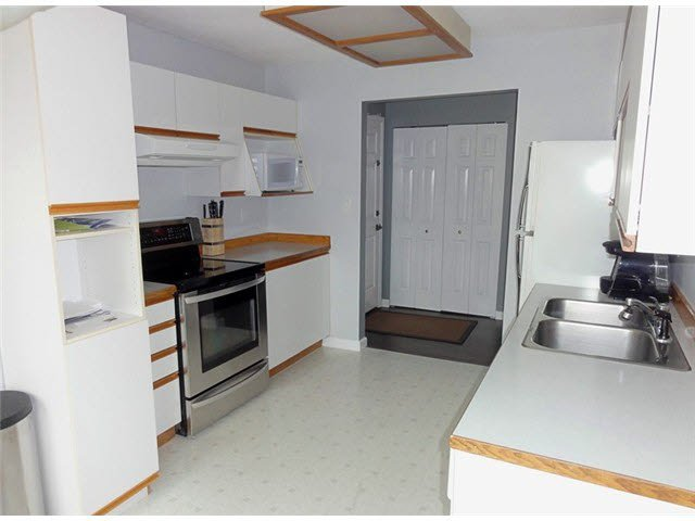 "Photo 11: Photos: 105 1273 MERKLIN Street: White Rock Condo for sale in ""CLIFTON LANE"" (South Surrey White Rock)  : MLS®# F1436403"