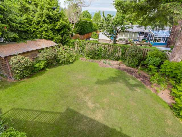"""Photo 16: Photos: 3005 BEVERLEY Crescent in North Vancouver: Edgemont House for sale in """"Edgemont Village"""" : MLS®# V1124606"""