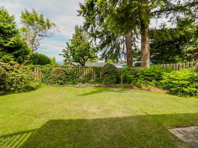 """Photo 20: Photos: 3005 BEVERLEY Crescent in North Vancouver: Edgemont House for sale in """"Edgemont Village"""" : MLS®# V1124606"""
