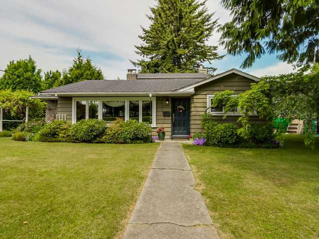 """Photo 1: Photos: 3005 BEVERLEY Crescent in North Vancouver: Edgemont House for sale in """"Edgemont Village"""" : MLS®# V1124606"""