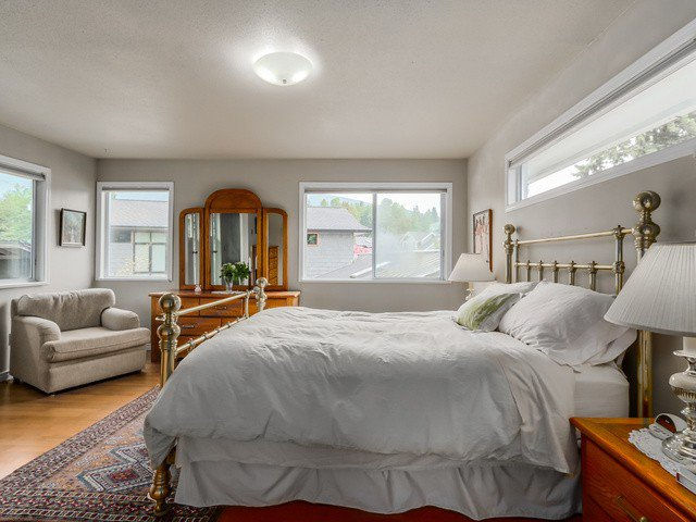 """Photo 12: Photos: 3005 BEVERLEY Crescent in North Vancouver: Edgemont House for sale in """"Edgemont Village"""" : MLS®# V1124606"""