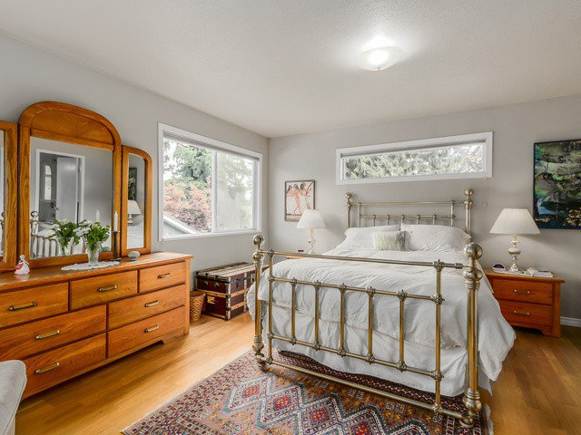 """Photo 11: Photos: 3005 BEVERLEY Crescent in North Vancouver: Edgemont House for sale in """"Edgemont Village"""" : MLS®# V1124606"""