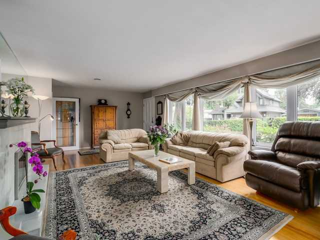 """Photo 5: Photos: 3005 BEVERLEY Crescent in North Vancouver: Edgemont House for sale in """"Edgemont Village"""" : MLS®# V1124606"""