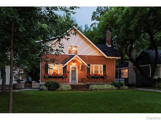 Main Photo: 374 Kingston Crescent in WINNIPEG: St Vital Residential for sale (South East Winnipeg)  : MLS®# 1517644