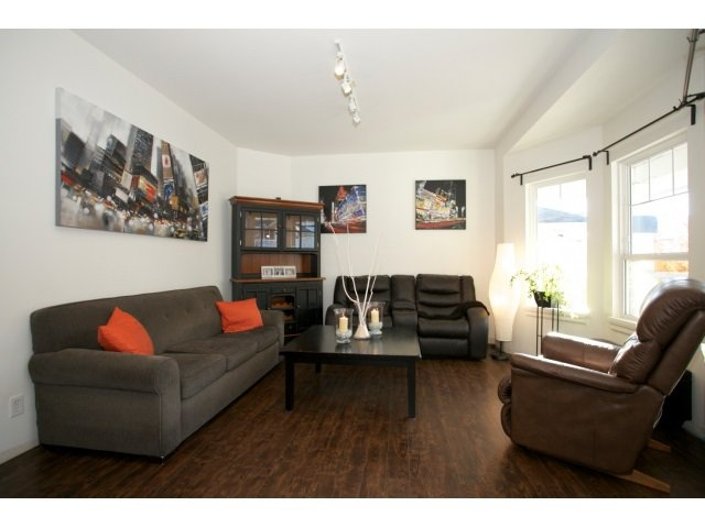 """Photo 3: Photos: 6642 205 Street in Langley: Willoughby Heights House for sale in """"Willow Ridge"""" : MLS®# R2014654"""