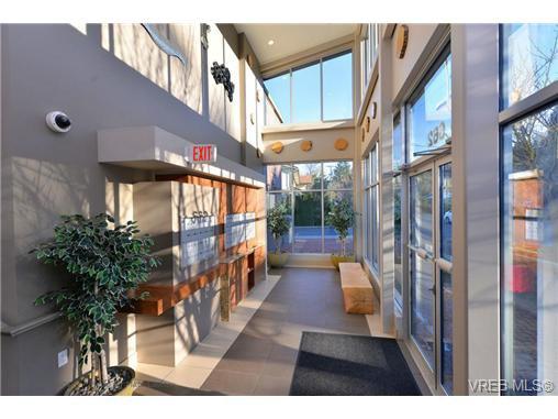 Photo 18: Photos: 103 662 Goldstream Ave in VICTORIA: La Fairway Condo Apartment for sale (Langford)  : MLS®# 717329