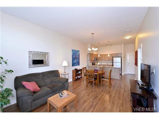 Photo 5: Photos: 103 662 Goldstream Ave in VICTORIA: La Fairway Condo Apartment for sale (Langford)  : MLS®# 717329
