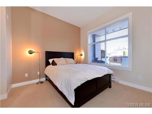Photo 9: Photos: 103 662 Goldstream Ave in VICTORIA: La Fairway Condo Apartment for sale (Langford)  : MLS®# 717329
