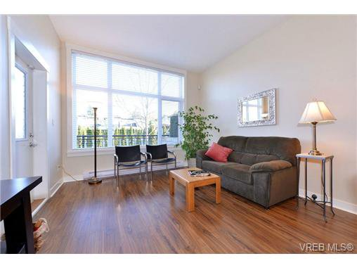Photo 4: Photos: 103 662 Goldstream Ave in VICTORIA: La Fairway Condo Apartment for sale (Langford)  : MLS®# 717329