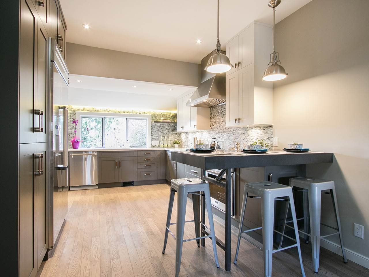 Photo 3: Photos: 158 E 26TH Avenue in Vancouver: Main House for sale (Vancouver East)  : MLS®# R2042714