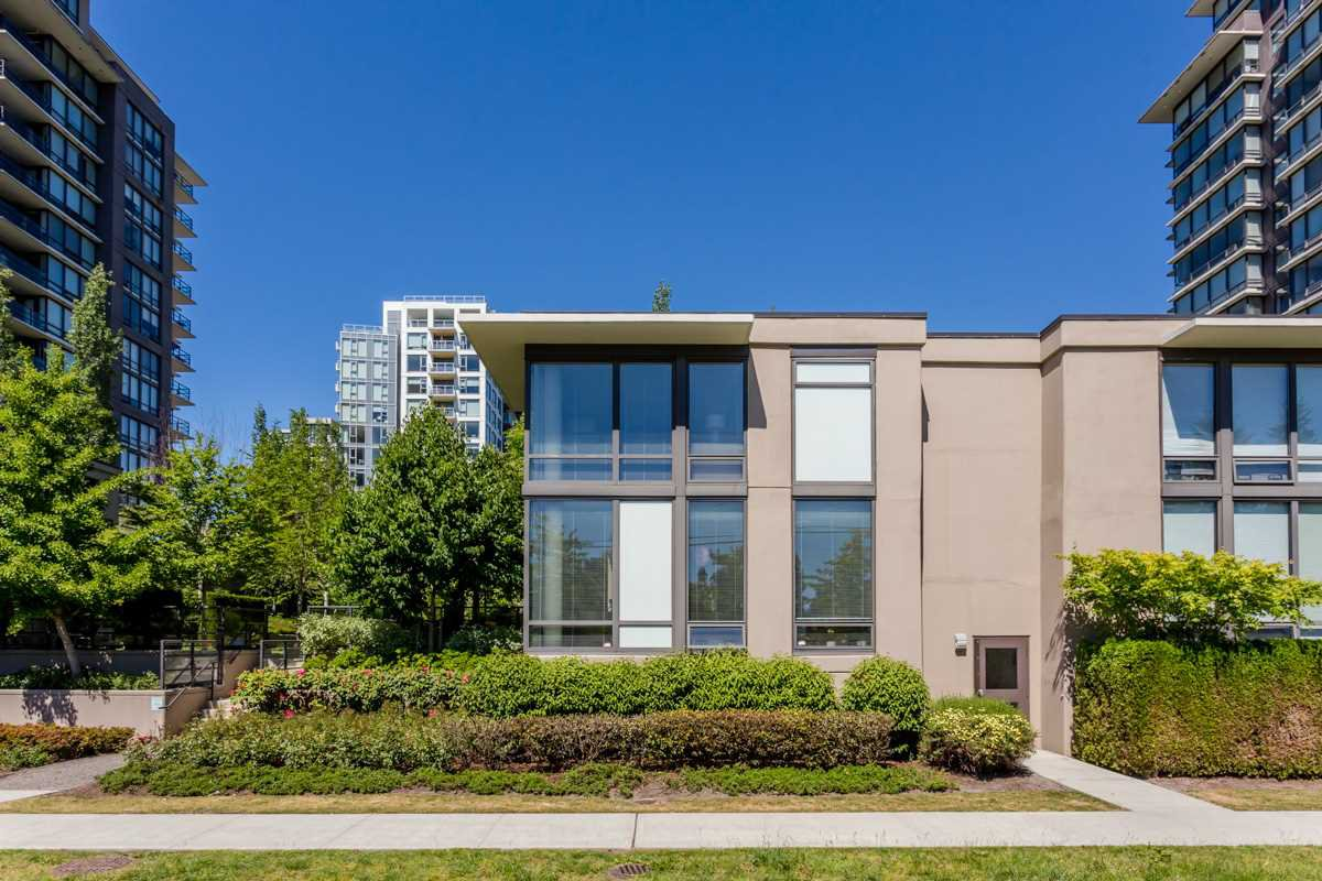 "Main Photo: TH1 6333 KATSURA Street in Richmond: McLennan North Townhouse for sale in ""RESIDENCE ON A PARK"" : MLS®# R2066749"