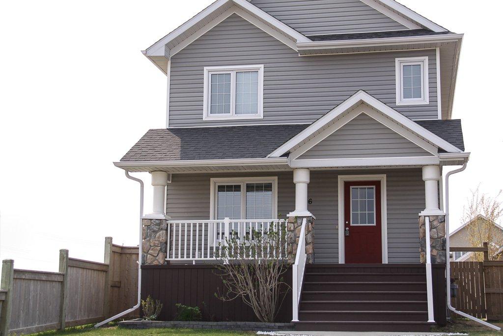 Main Photo: 26 Landsbury Lane in Niverville: Glenlea / Ste. Agathe / St. Adolphe / Grande Pointe / Ile des Chenes / Vermette / Niverville Residential for sale (Winnipeg area)  : MLS®# 1611738