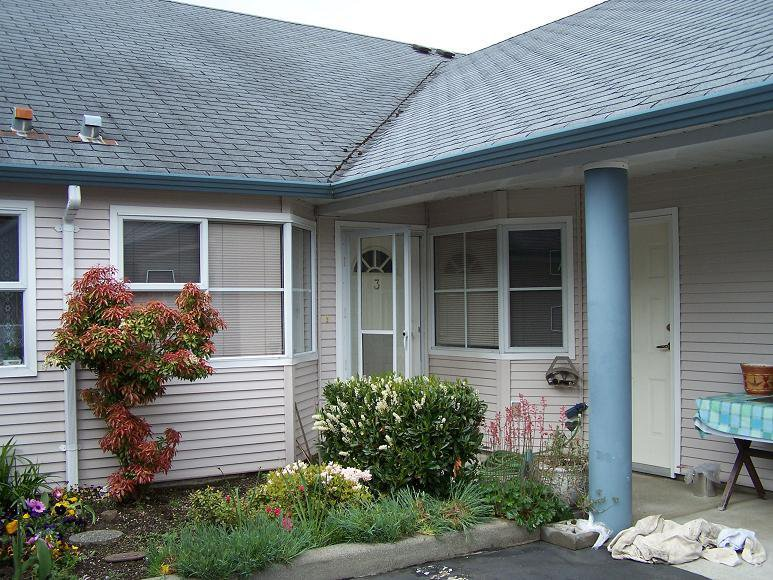 Main Photo: 3 9088 HOLT Road in Surrey: Home for sale : MLS®# F2814505
