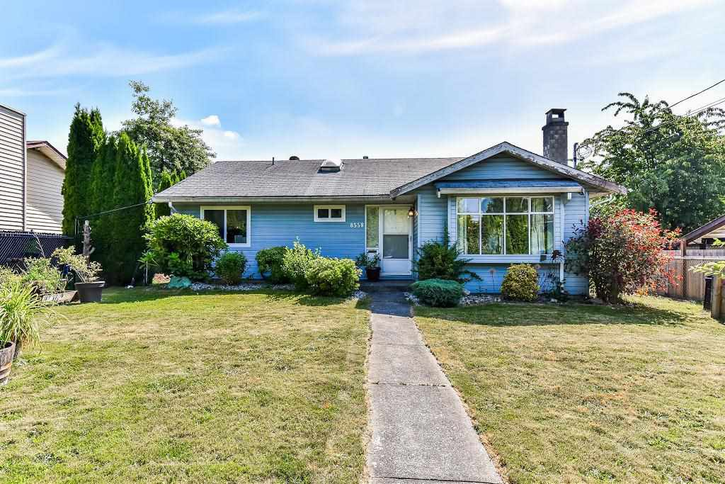 "Main Photo: 8558 152 Street in Surrey: Fleetwood Tynehead House for sale in ""FLEETWOOD"" : MLS®# R2182963"