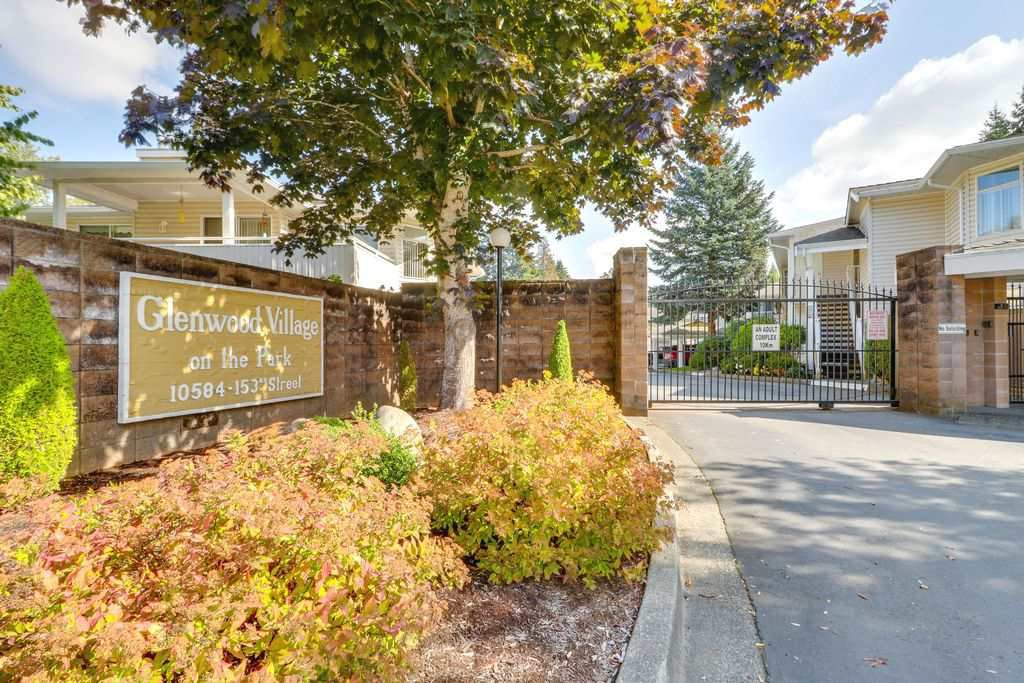 """Main Photo: 201 10584 153 Street in Surrey: Guildford Townhouse for sale in """"GLENWOOD VILLAGE"""" (North Surrey)  : MLS®# R2307414"""