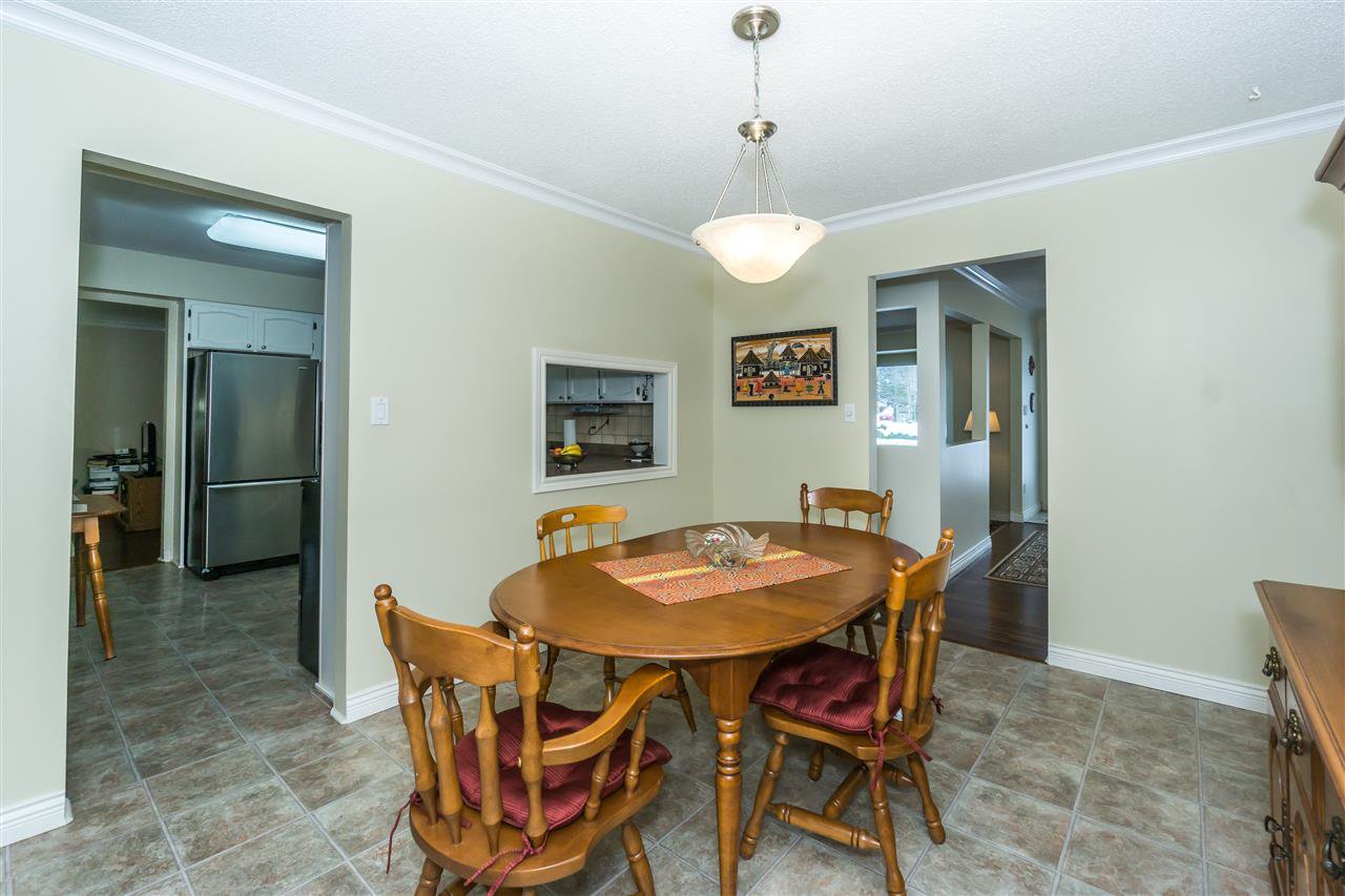 Photo 7: Photos: 27175 34 Avenue in Langley: Aldergrove Langley House for sale : MLS®# R2343088